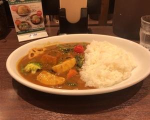 10月13日夕食(マイカリー食堂 季節の野菜カレー)