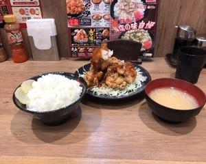 10月17日夕食(伝説のすた丼屋 鬼盛りすたみな和風おろし唐揚げ定食)