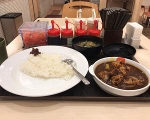 10月23日朝食(松屋 ごろごろ煮込みチキンカレー)