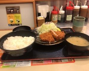 10月23日夕食(松のや 大判ヒレかつ定食)