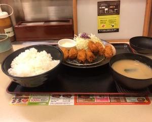12月11日夕食(松のや たっぷりカキフライ定食)