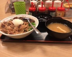 1月26日朝食(松屋 ぼっかけ玉子コンボ牛めし)