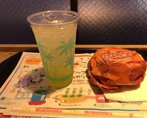 マクドナルド ハワイアンスパイシーバーベキュー・マックフィズ〓 レモネード(レモン果汁1%)