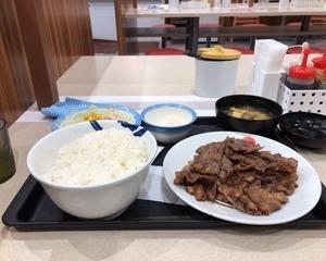 松屋 カルビ焼肉W(ダブル)定食(お肉33%増量)