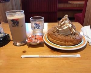 珈琲所コメダ珈琲店 シロノワール くまもとモンブラン・アイスミルクコーヒー