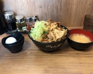 """伝説のすた丼屋 """"ガリ・てり・マヨ"""" 唐揚げ合盛りすた丼"""
