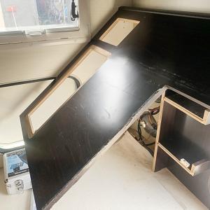 バゲージルーム床の劣化の修理DIY その3