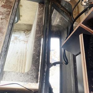 バゲージルーム床の劣化の修理DIY その4