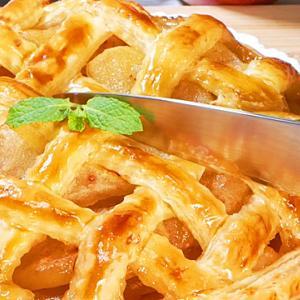 冷凍パイ生地で作る簡単アップルパイの作り方【りんごたっぷり】