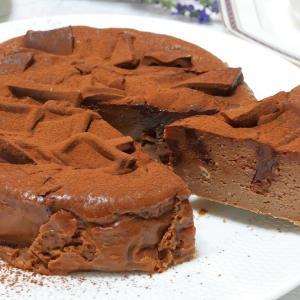 板チョコたっぷりのチョコレートケーキ