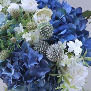 雨の日は☆青いアジサイ・実物・白い花