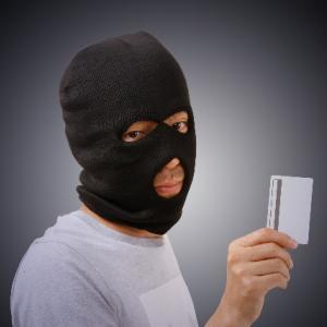 【楽天カードの不正利用】クレジットカード番号を盗まれ30,000円の被害にあった全記録