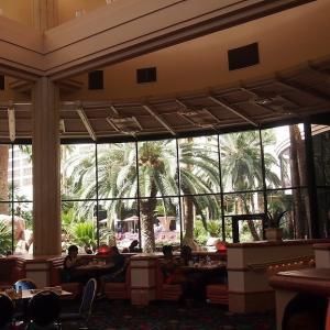 フラミンゴホテルは寄る価値あり