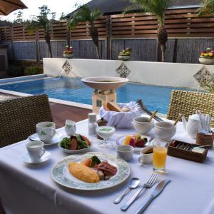 ルームサービスで朝食を@「別邸 ラ・松廬」