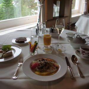スイスでチーズたっぷりの朝食 チューゲングランドホテル