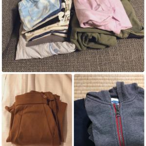 【捨て活】とにかく服を捨てまくった!!ミニマリストが10月に手放した74個(着)のモノ(累計356個)