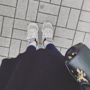 【ワードローブと持ち物】ミニマリスト主婦のおひとりさまカフェコーデとバッグの中身と時間の使い方