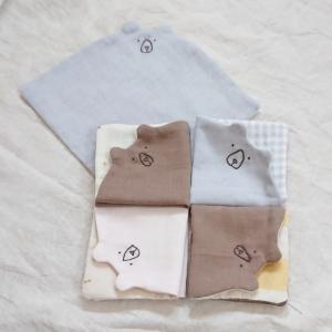 くまさん刺繍のガーゼハンカチ