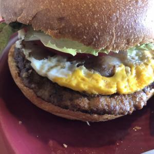 【都城おすすめ店】ハンバーガーのピクルスの存在意義がわからない