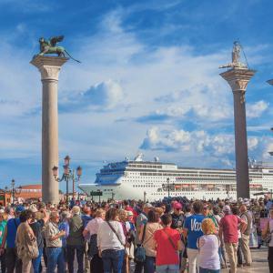 """イタリア:ベニス日帰り観光客は""""市内立ち寄り料金""""を支払わされるかも"""