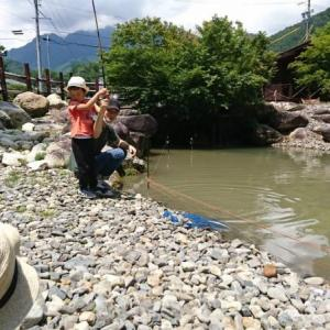 """はじめての魚釣り:安曇野市穂高 ♡ 4歳1ヶ月、1歳2ヶ月"""""""