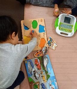 パズルとブロック大好き、色のインプット ★次男1歳7ヶ月