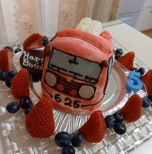 長男 5歳の誕生日のケーキと食べ物