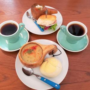スープとパンで朝食を。「スープホリック」(秋田)
