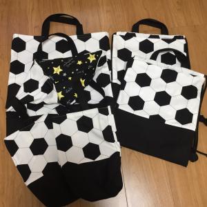 サッカーボール柄☆絵本袋、靴袋、ナップサック2セット出来上がり♪
