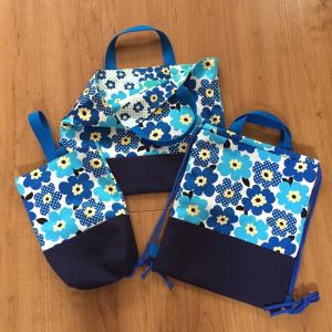 北欧花柄青色☆絵本袋、靴袋、ナップサック1セット出来上がり♪