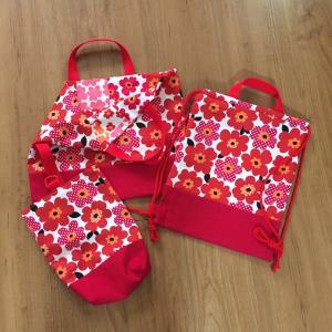 北欧花柄  赤色☆絵本袋、靴袋、ナップサック1セット出来上がり♪