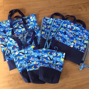 海の生き物柄☆絵本袋、靴袋、ナップサック3点ずつ出来上がり♪
