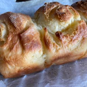 塩をかければ塩バターパン
