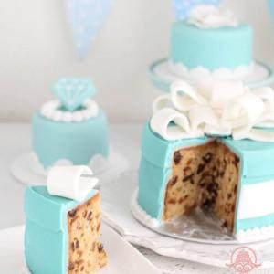 パーティを華やかにするアニバーサリーケーキ学びませんか?