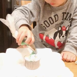 3歳息子もケーキ屋さん気取り!ショコラフラワー認定講師講座