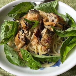 鮎のコンフィのペペロンチーノ&鯵の干物とスクランブルエッグ