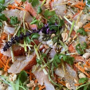 アカハタの中華風お刺身サラダと蒸し物