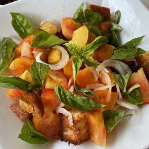 夏の食卓 ♪桃のパンツァネッラ・メロンの冷製スープなど♪