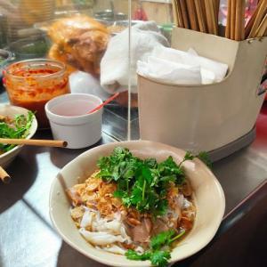 新たなフォー料理を発見!南部+北部で「Phở Tíu」?フォー料理で一番美味しかったかも??(ハノイ街巡り101)