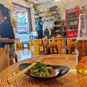 """ハノイ旧市街で昼から""""美味しくまったり飲み""""できるいいお店です(ハノイ街巡り102)"""