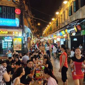 【土曜日夜のハノイ旧市街】タヒエン通りとナイトマーケットを覗いてみました!
