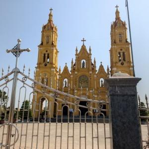 【ナムディンの教会】本当に美しい!別世界に来たような気持ちになる荘厳な教会でした!!