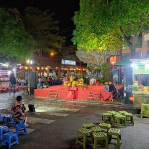 """土曜の夜の""""ドンスアン市場の伝統歌謡""""も再開してました!"""