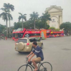 連休中のベトナム、コロナが心配だけど2階建てバスは好調のようです!