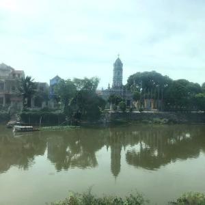 ベトナムの教会は、どこも立派な建物な気がします(`・ω・´)