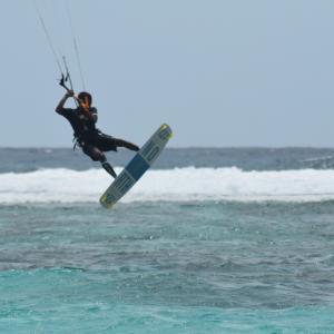 やっと晴れた日には、カイトサーフィンへ!