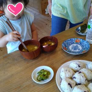 「子どものおやつは食事」周りの大人への伝え方