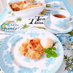 ブラムリーアップルクランブルで、teatime。。♪