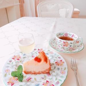 チーズケーキでteatime。。♪ 自家製プルーンのおすそわけ♡