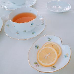 ヘレンド ミルフルール。。♡ 花壇のレモンでteatime。。♪